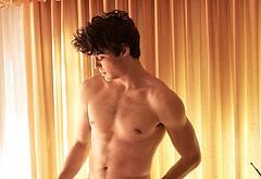 Noah Centineo bulge photos