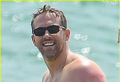 Ryan Reynolds sexy