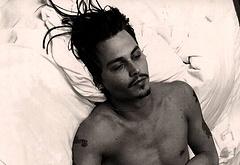 Johnny Depp nude selfie