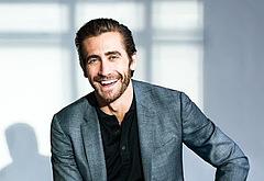 Jake Gyllenhaal shirtless