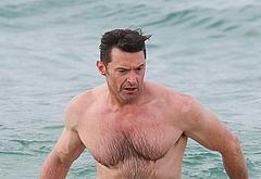 Hugh Jackman sexy nude beach pics