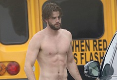 Liam Hemsworth Nude - leaked pictures & videos | CelebrityGay