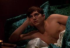 Ashton Kutcher gay sex scenes