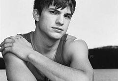 Ashton Kutcher jerk off