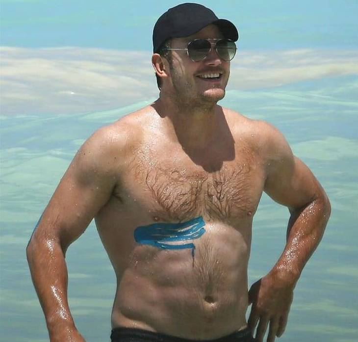 Chris Pratt oops bulge
