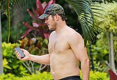 Chris Pratt shirtless