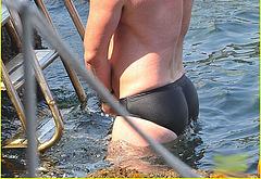 Luke Evans frontal nude