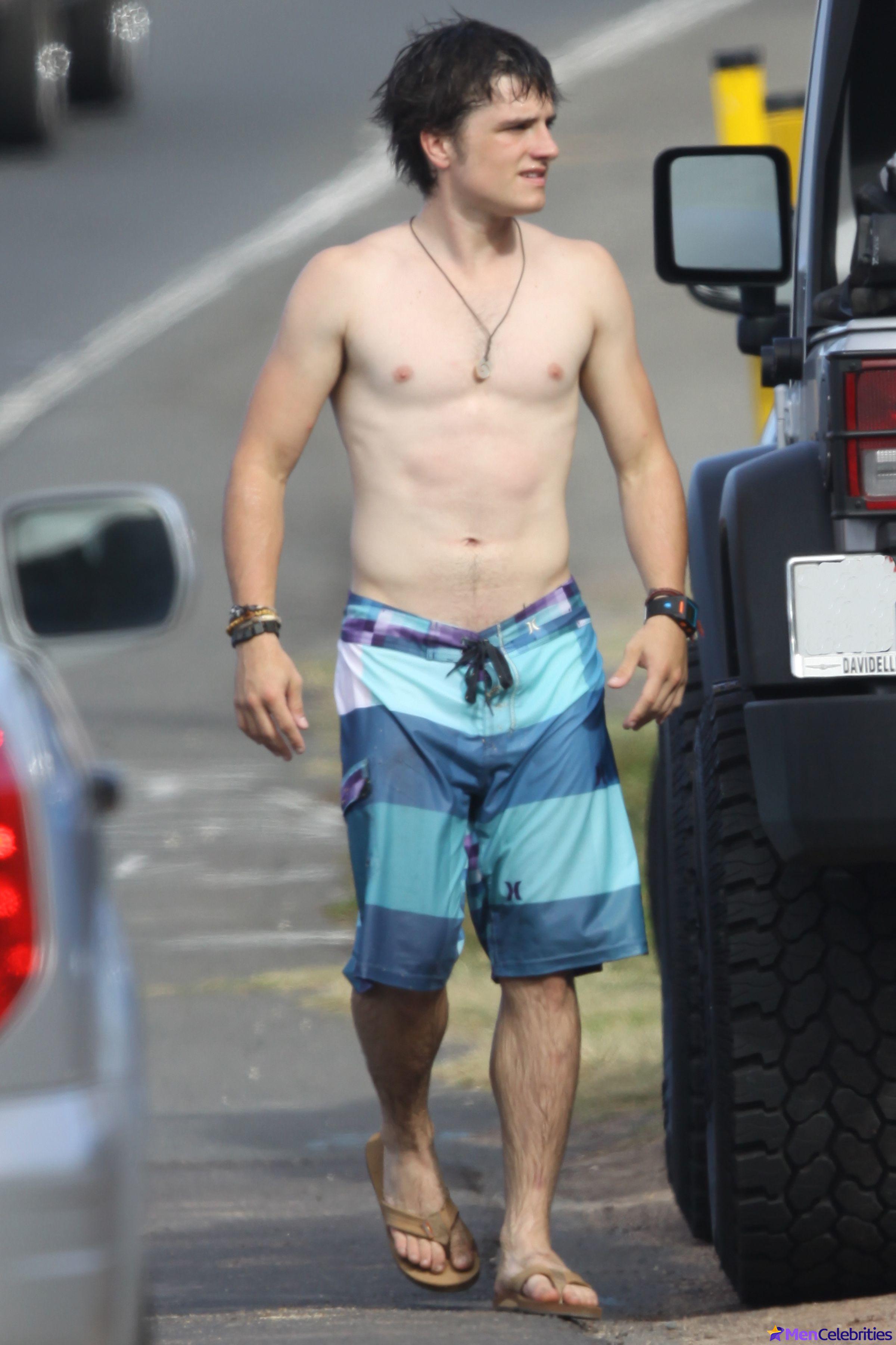Stars Naked Pics Of Josh Hutcherson Gif