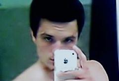 Josh Hutcherson nude selfie