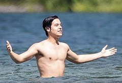 Cole Sprouse naked dick