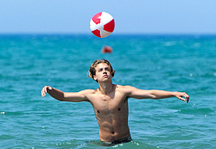 Cole Sprouse oops beach