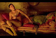 Nicholas Hoult gay male celebs