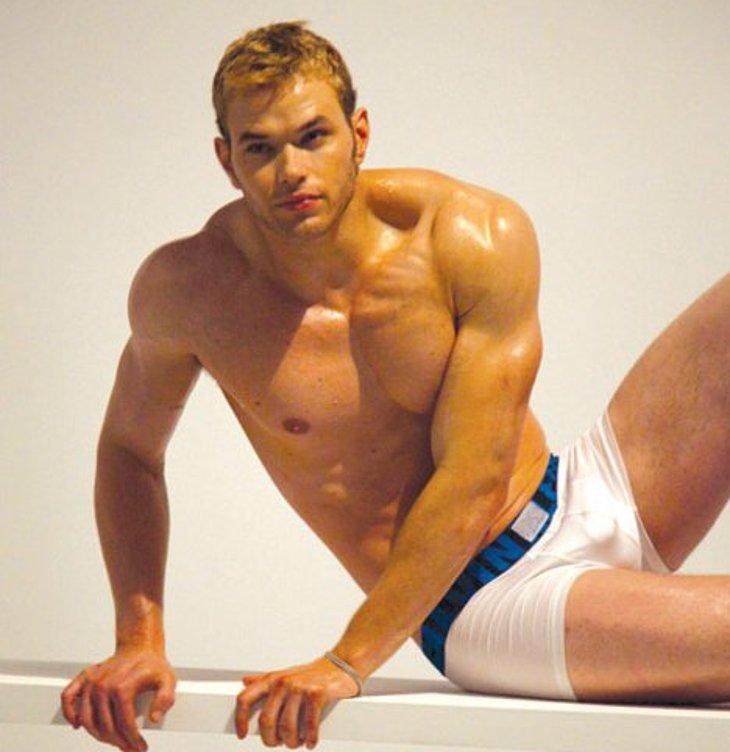 Kellan Lutz leaked nude photos