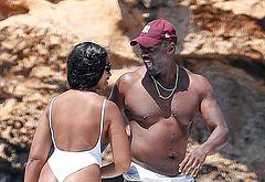 Idris Elba penis shots