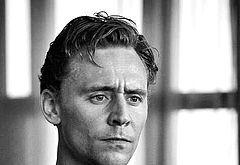 Tom Hiddleston shirtless