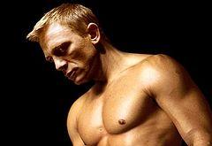 Daniel Craig jerk off
