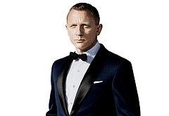 Daniel Craig sexy photoshoot