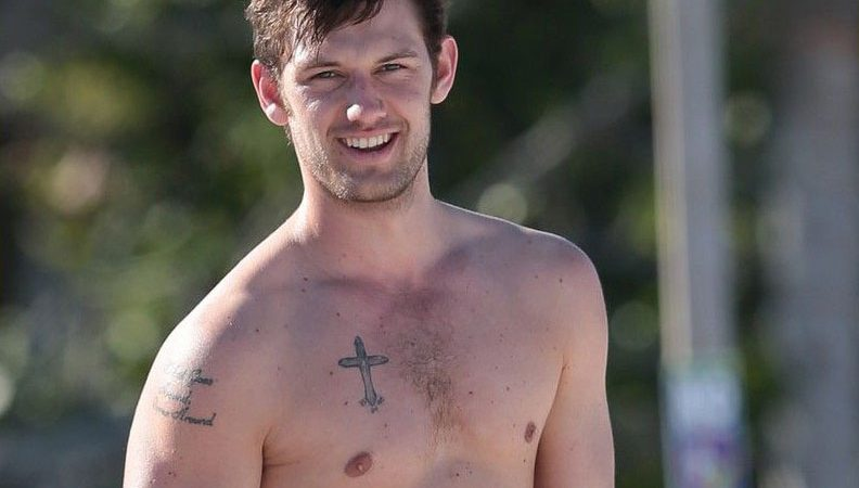 Alex Pettyfer Nude Photos And Hot Uncensored Videos