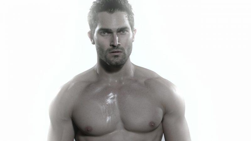 Tyler Hoechlin Nude Movies & Muscle Body Photoshoots