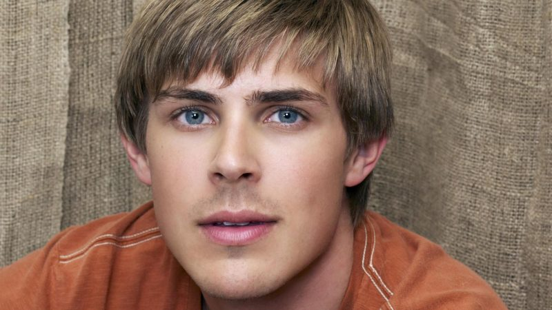 Chris Lowell Nude Cock And Gay Sex Pics & Vids
