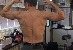 Tom Hardy muscle
