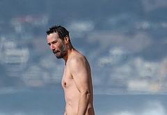 Keanu Reeves nude beach photos