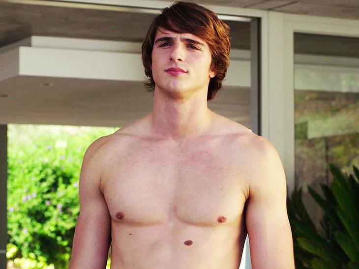 Jacob Elordi naked movie scenes
