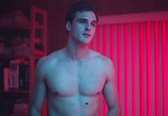 Jacob Elordi sexy movie scenes