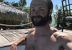 Jared Padalecki oops nudity