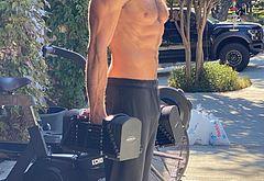 Jared Padalecki shirtless selfie