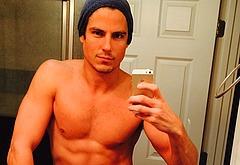 Sean Faris leaked nude selfie