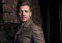 Jeremy Renner sexy pictures