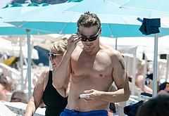 Jeremy Renner bulge photos