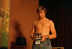 Jeremy Renner shirtless movie scenes