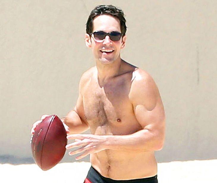 Paul Rudd shirtless