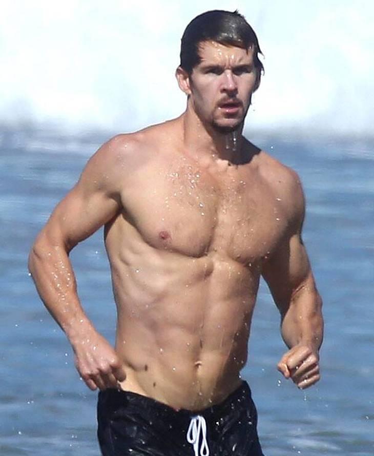 Ryan Kwanten nudes muscle photos