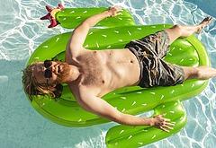 Wyatt Russell nudity scenes