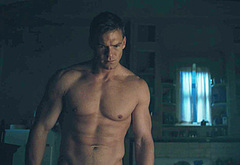 Alan Ritchson muscle video