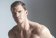 Alan Ritchson gay porn