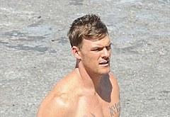 Alan Ritchson shirtless