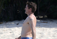 Robert Downey Jr beach photos