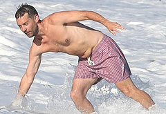 Tobey Maguire wet bulge