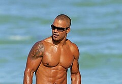 Shemar Moore nudes beach