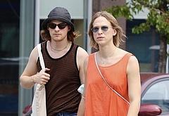 Lucas Hedges gay couple