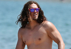 Steve Howey shirtless photos
