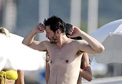 Keanu Reeves nudity