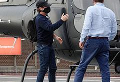 Tom Cruise fly