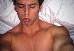 Sam Claflin penis selfie