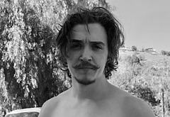 Kyle Gallner nudity photos