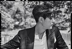 Lee Jung-jae bulge shots